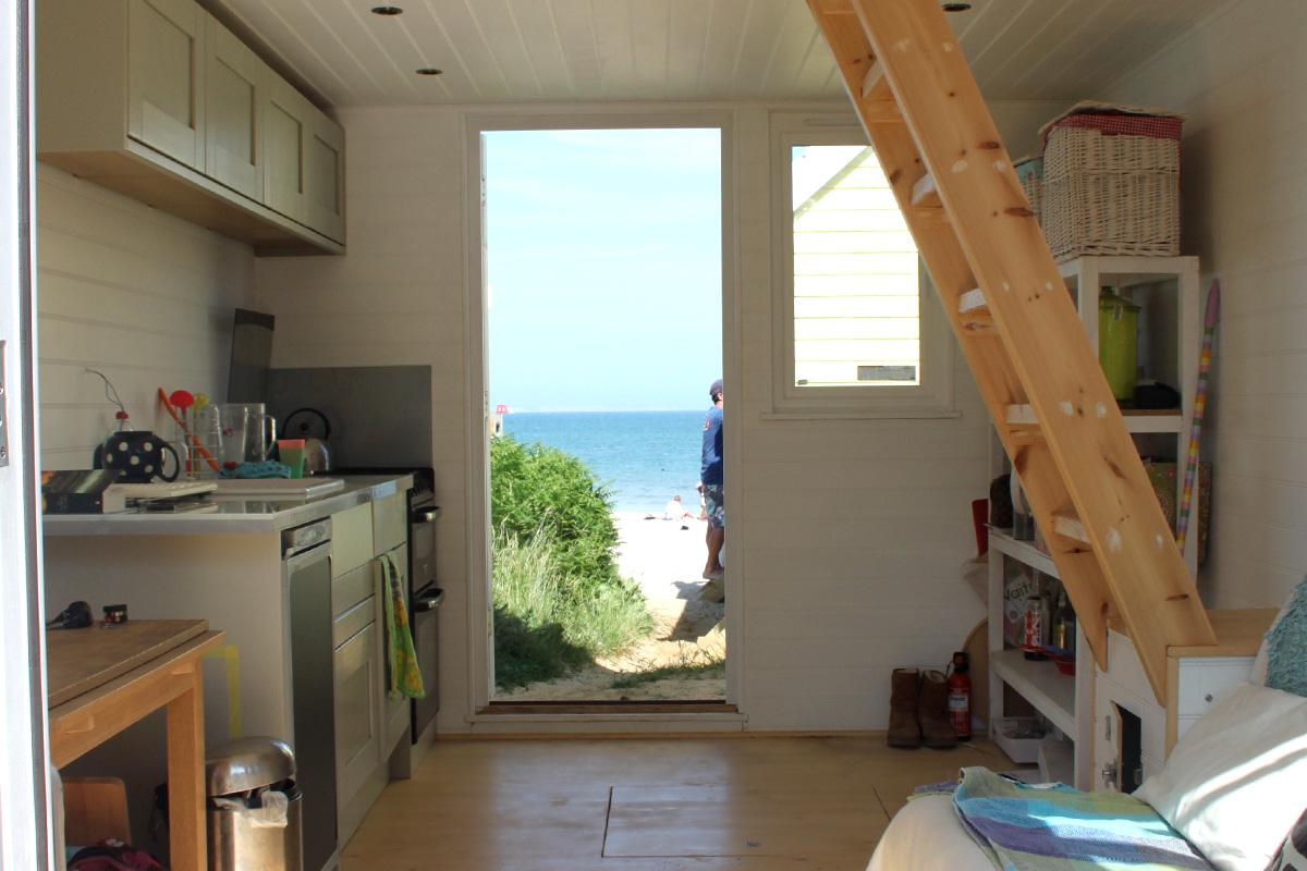 Gallery mudeford beach hut to let for Beach hut designs interior